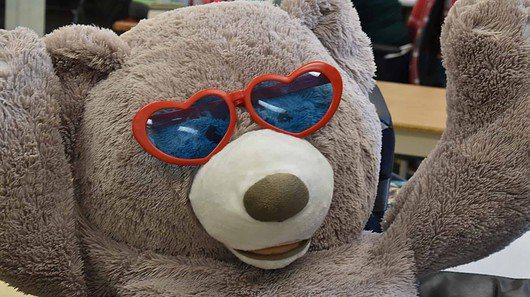 Teddy bear sweetheart with heart sunglasses
