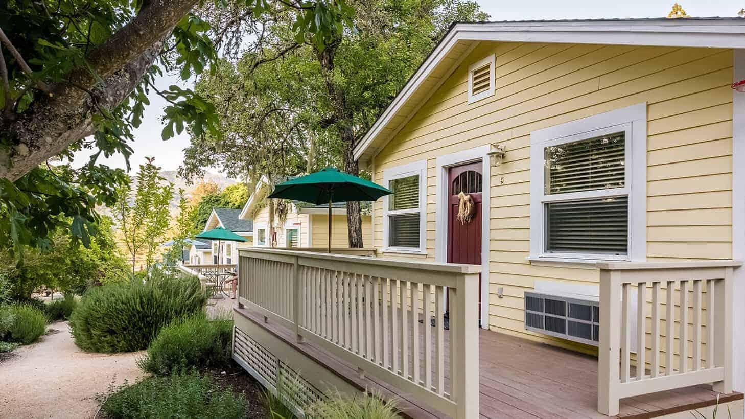 Aurora Park Cottages